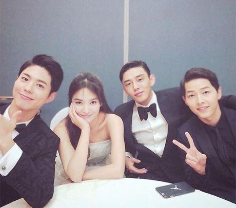 Chan hen ho tai Na Uy, Song Joong Ki - Song Hye Kyo con tang chung qua dan em - Anh 3