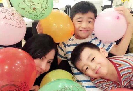Het hon ghen, Truong Ba Chi di xem phim cua chong cu - Anh 2