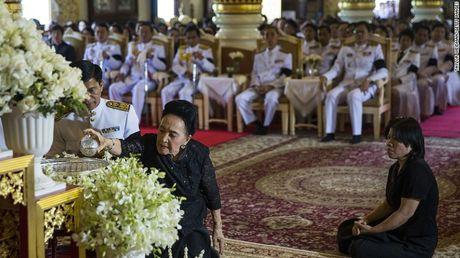 Nguoi dan Thai Lan de tang nha vua nhu the nao? - Anh 8
