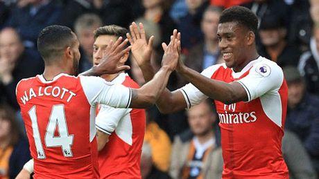 Theo Walcott - Arsenal: Nao minh cung nhau lam 'nguoi lon' - Anh 4