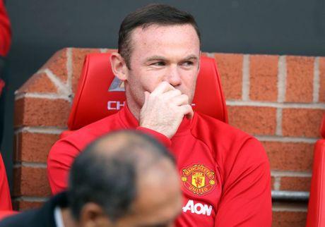 Cu den Liverpool, Rooney lai 'mat dien' - Anh 3