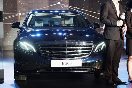 Mercedes-Benz E-class the he moi ve Viet Nam co gi noi bat? - Anh 2