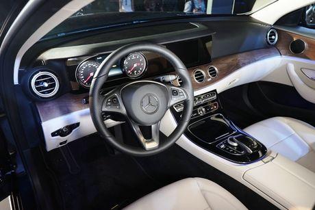 Mercedes-Benz E-class the he moi ve Viet Nam co gi noi bat? - Anh 5