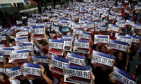 Tham Trung Quoc, ong Duterte se noi chuyen bien Dong - Anh 1