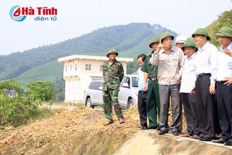 Bo truong Bo NN&PTNT: Khong de bat cu mot nguoi dan nao doi khat - Anh 9