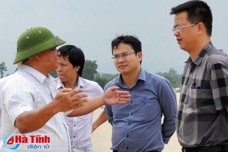 Doan cong tac Bo TN&MT kiem tra xa lu Thuy dien Ho Ho - Anh 2
