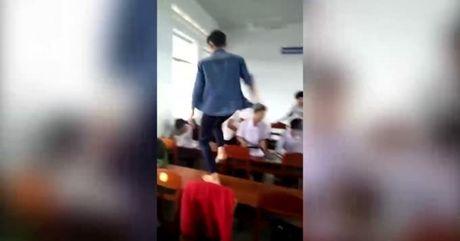 Clip nam sinh cap 3 dien cuong danh ban cung lop - Anh 1