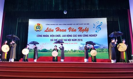 Gan 500 CNVCLD tham gia bieu dien tai Lien hoan van nghe CNVCLD cac KCN - CX Ha Noi nam 2016 - Anh 2
