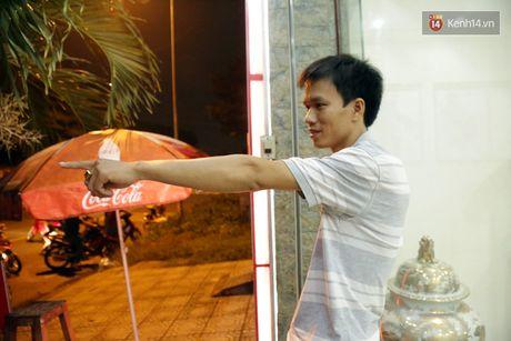 Trang dem giang luoi tim be trai bi nuoc mua cuon xuong cong khi dang day giup xe chet may - Anh 6