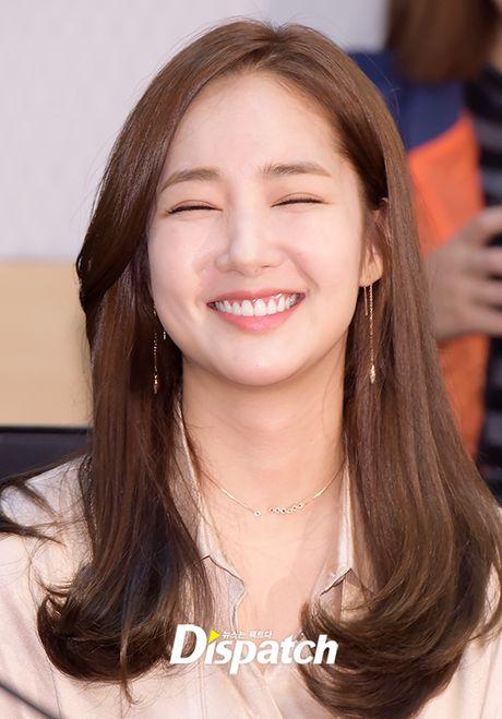 Park Min Young tro lai dep ruc ro, lan at loat nguoi dep dang dep tai su kien - Anh 3