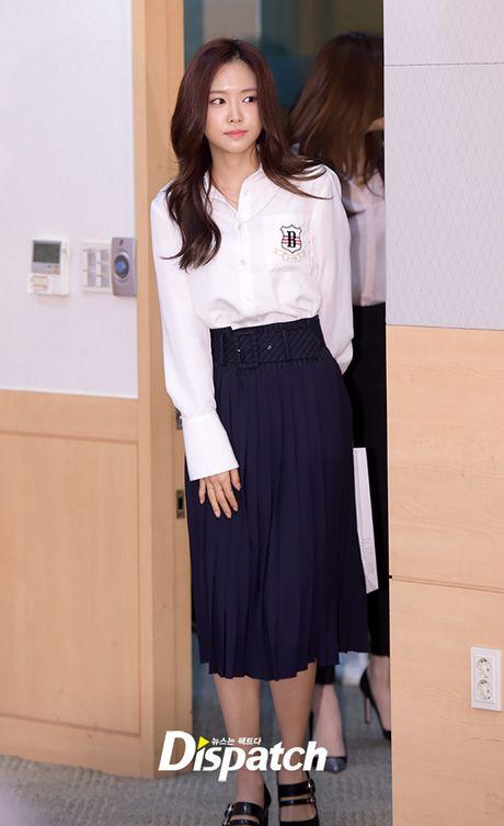 Park Min Young tro lai dep ruc ro, lan at loat nguoi dep dang dep tai su kien - Anh 4
