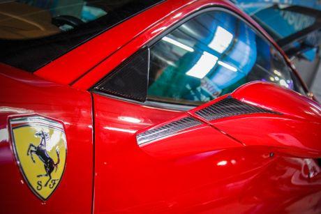 Sieu xe Ferrari 488 GTB len goi do hang hieu o Da Nang - Anh 4