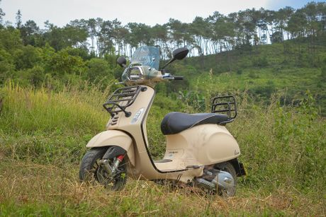Anh Vespa Sprint ABS phien ban phuot tai Viet Nam - Anh 3
