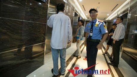 Gap nguoi trung so 92 ty len Sai Gon nhan thuong - Anh 1
