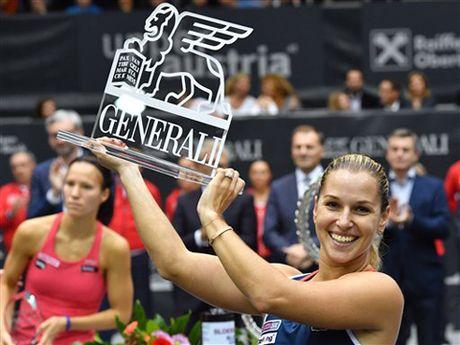 Tennis ngay 17/10: Murray sap chiem vi tri so 1 cua Djokovic. Nadal muon thiet ke lai bong tennis - Anh 1