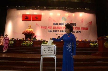 Loi phat dong ung ho dong bao mien Trung trong con bao lu - Anh 1