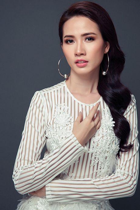 Nguoi dep Phan Thi Mo khoe vong 1 cang day voi mot khong noi y - Anh 6