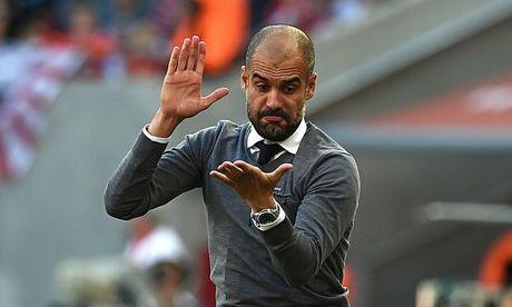 Pep Guardiola 4 lan bi cau thu Barca 'ngo lo' - Anh 1
