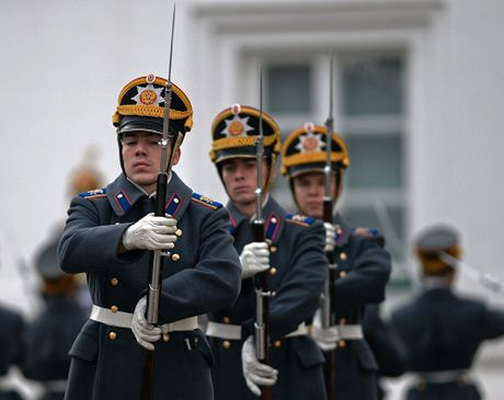 Muc so thi nghi thuc doi gac o Dien Kremlin - Anh 7
