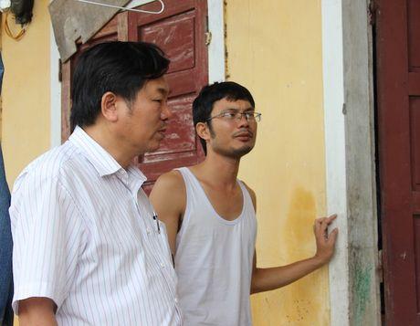 Quang Binh: Lanh dao So GD&DT tham va chia se cung cac truong bi ngap lut - Anh 4