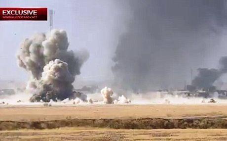 Xe bom IS lieu chet dam xe tang Iraq, it nhat 70 linh thiet mang - Anh 1