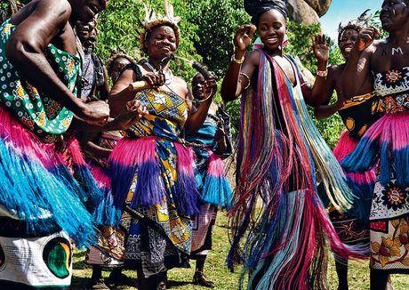Lupita Nyong'o ruc ro sac mau o Kenya - Anh 1