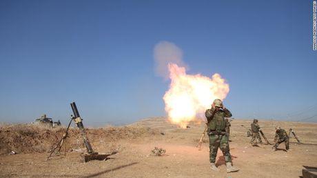 Mosul mit mu khoi lua trong ngay thu hai tong tan cong - Anh 1