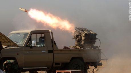 Mosul mit mu khoi lua trong ngay thu hai tong tan cong - Anh 2