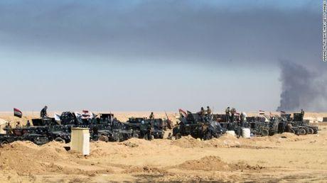 Mosul mit mu khoi lua trong ngay thu hai tong tan cong - Anh 3