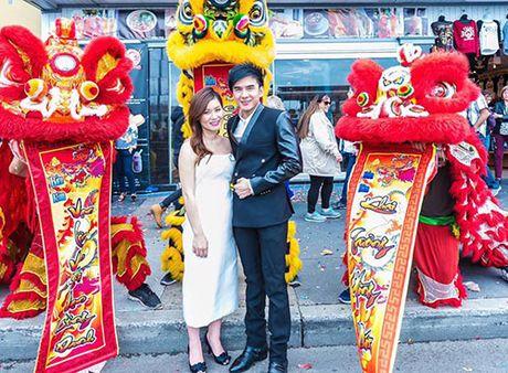 Vo Dan Truong khoe bung bau nhung thang giua thai ky - Anh 1