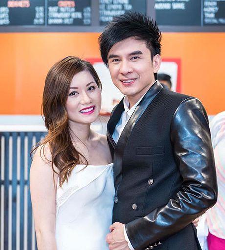 Vo Dan Truong khoe bung bau nhung thang giua thai ky - Anh 3