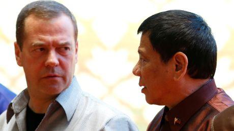 Cang thang Bien Dong nong len, Philippines se mua vu khi cua Nga? - Anh 2