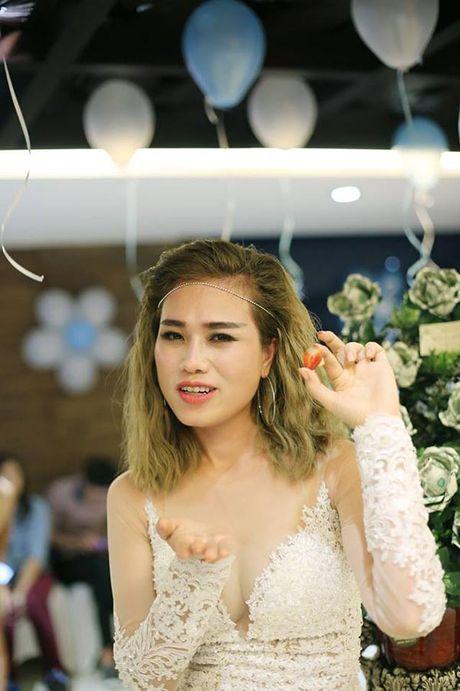 Danh tinh ban gai doanh nhan moi lo dien cua Quach Tuan Du - Anh 11
