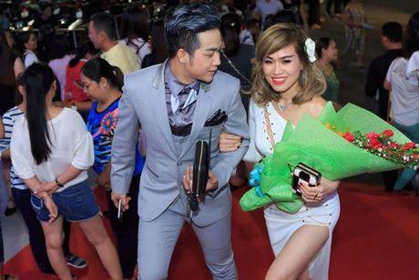 Danh tinh ban gai doanh nhan moi lo dien cua Quach Tuan Du - Anh 2
