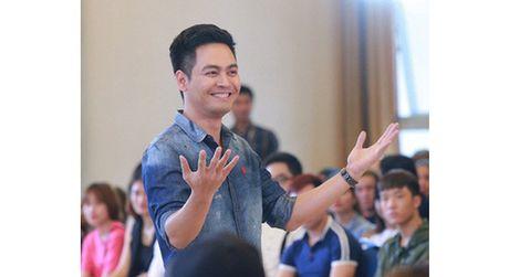 MC Phan Anh: Toi may man co niem tin va cach suy nghi tich cuc nen khong viec gi phai dam chim va nghi ngo moi thu xung quanh - Anh 1