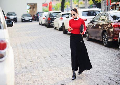 Yen Trang, Yen Nhi 'chat lu' tren pho - Anh 6