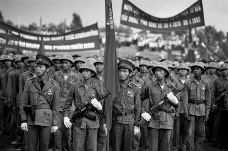 Chum anh: Viet Nam 10 nam sau ngay chien tranh ket thuc - Anh 17