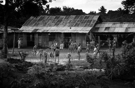 Chum anh: Viet Nam 10 nam sau ngay chien tranh ket thuc - Anh 6