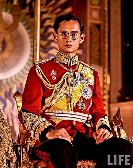 Anna and the King - Tac pham hiem hoi dua hoang gia Thai Lan toi cong chung the gioi - Anh 7