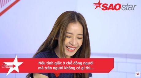 Clip: Chi Pu se phan ung ra sao khi bi fan cuong theo ve tan nha…? - Anh 2