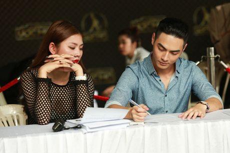Chung Huyen Thanh ho tong ban trai hot boy di casting show am nhac - Anh 3