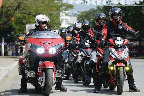 Xem Honda Winner 150 chinh phuc cuc Tay - Anh 14