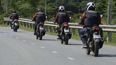 Xem Honda Winner 150 chinh phuc cuc Tay - Anh 15