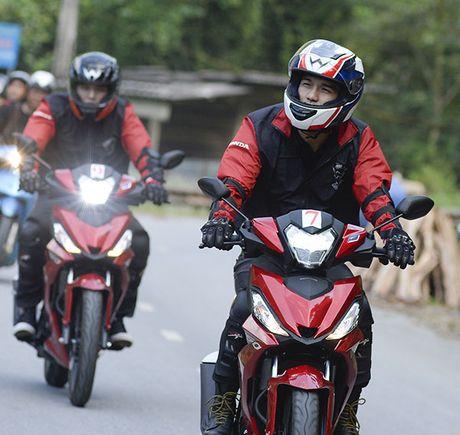 Xem Honda Winner 150 chinh phuc cuc Tay - Anh 17