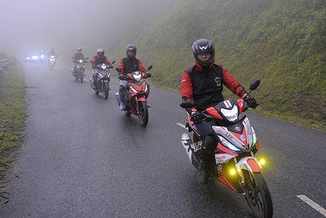Xem Honda Winner 150 chinh phuc cuc Tay - Anh 6