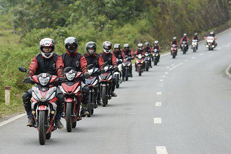 Xem Honda Winner 150 chinh phuc cuc Tay - Anh 8