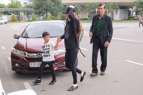 Ho Ngoc Ha dan con trai Subeo ve que tham nguoi dan vung lu - Anh 1