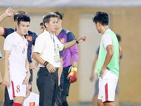 U19 Viet Nam hoa qua cam, HLV Hoang Anh Tuan van khong hai long - Anh 2