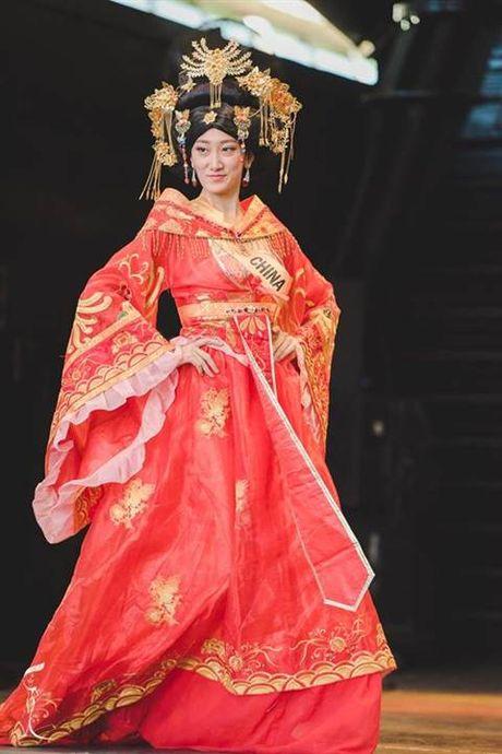Nhung bo quoc phuc long lay nhat Miss Grand International 2016 - Anh 7