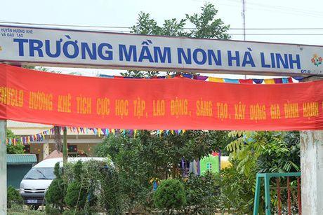Hoa hau Ngoc Han vuot lu den trao qua cho nguoi dan Ha Tinh - Anh 11